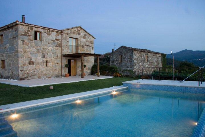 Termas de Prexigueiro. Casa rural A Casa da Tulla, alquiler de habitaciones. Casa Accesible en Gomesende, Ourense.