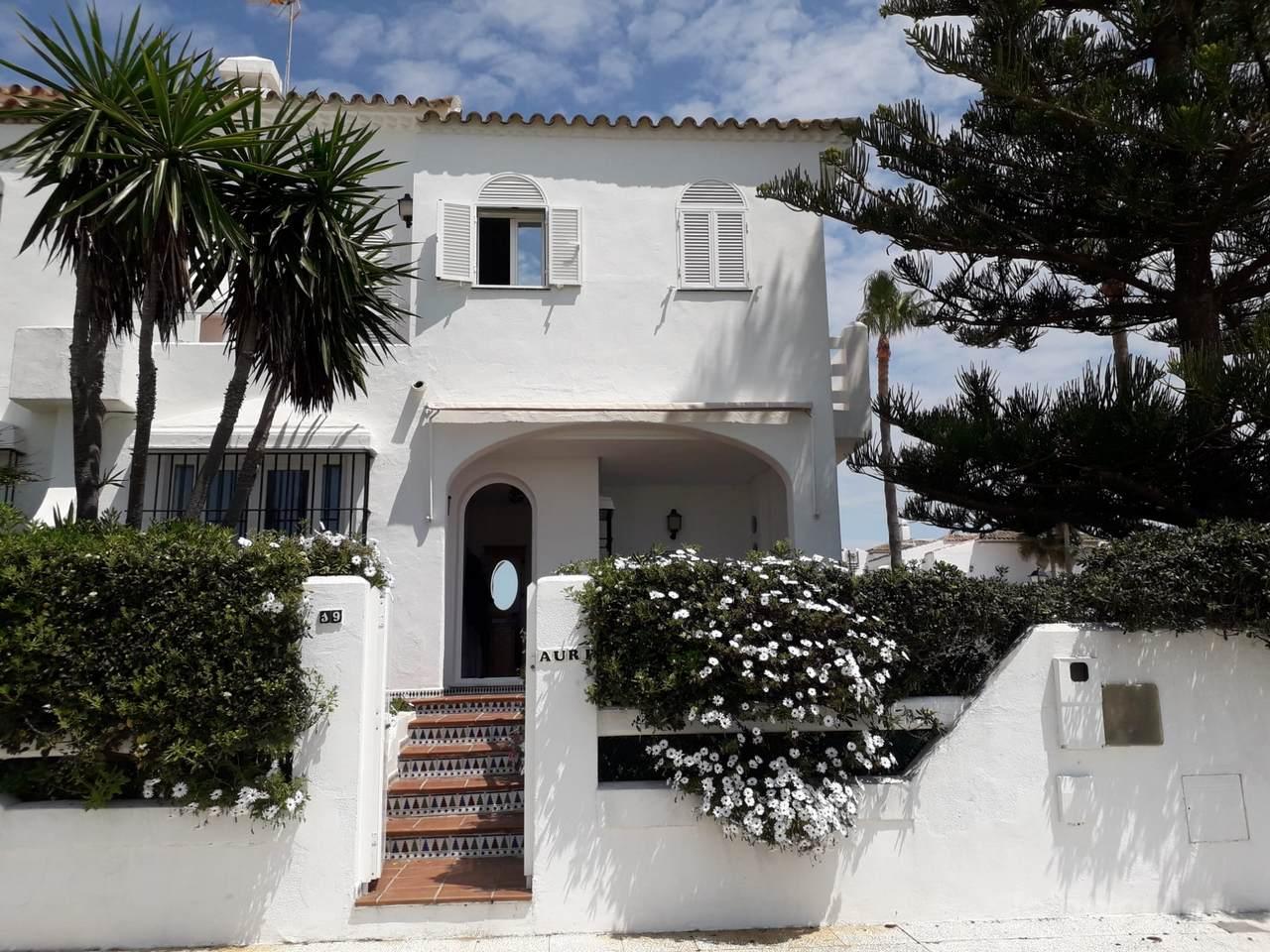 Alquiler de Chalet en primera línea de playa La Barrosa, Complejo Atlántico, Chiclana de la Frontera, Cádiz, ref.: a106