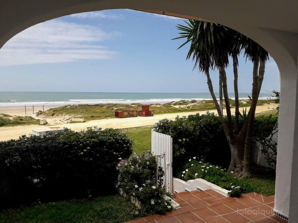 Alquiler chalet en primera línea de playa La Barrosa, Chiclana de la Frontrera