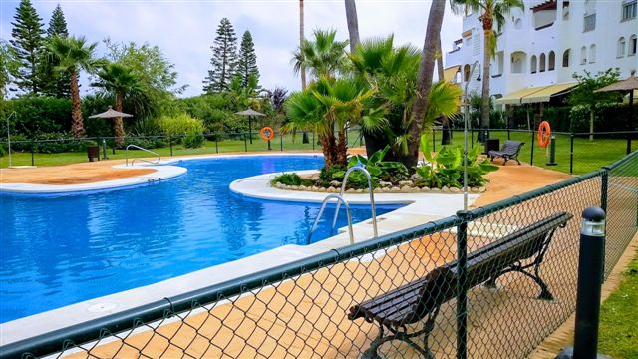 Alquiler de piso con jardin en Rota, Costa Ballena