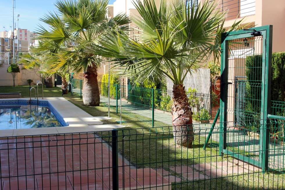 Alquiler de chalet con solarium en Isla Cristina, Urbanización El Dorado