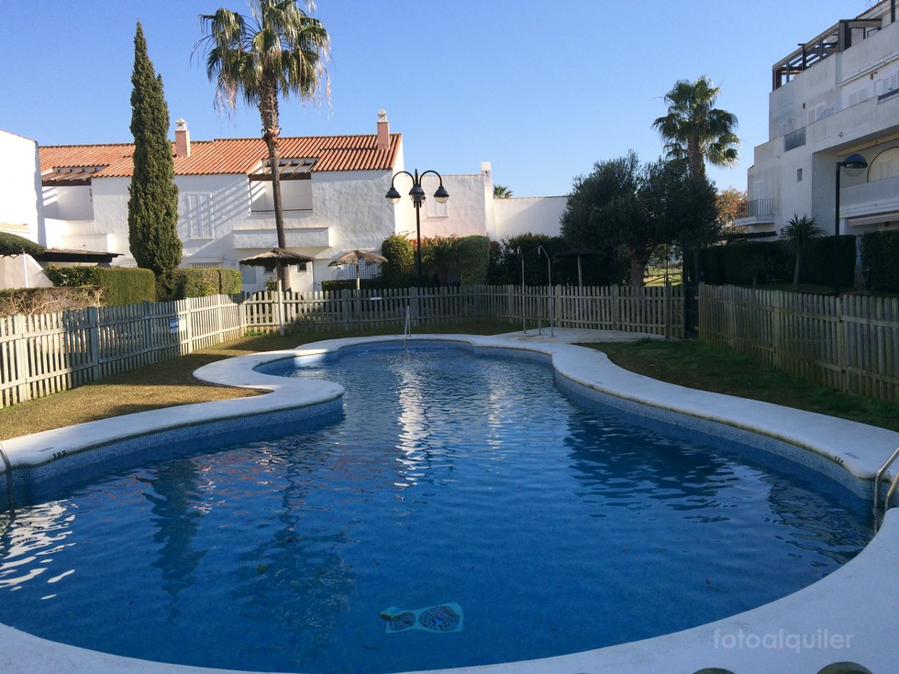 Alquiler piso con piscina en Rota, Urbanización Salinas Club, Costa Ballena