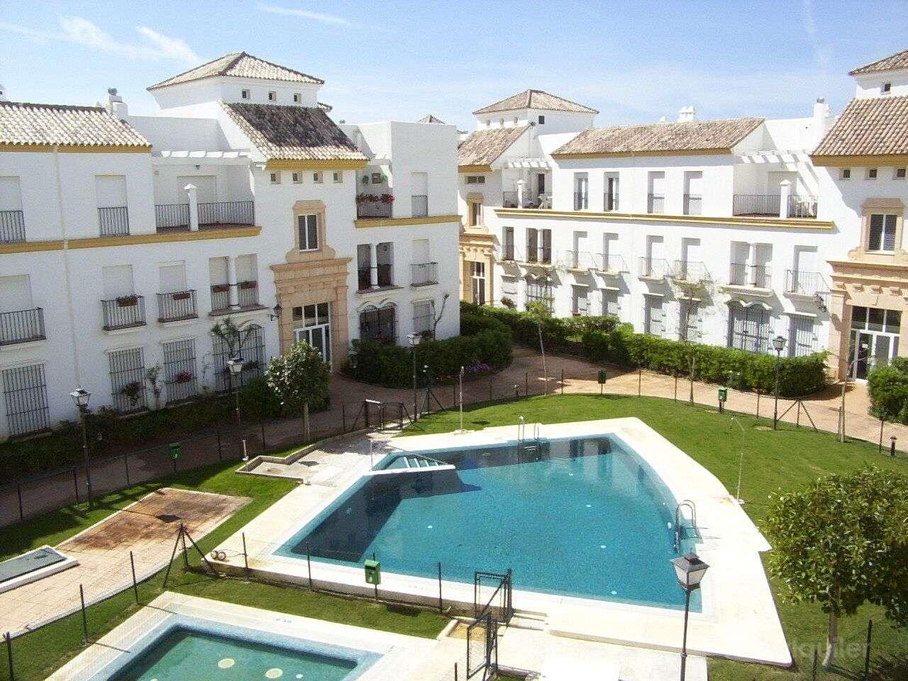 Alquiler de ático en primera línea en el Residencial Costa Ballena, Rota