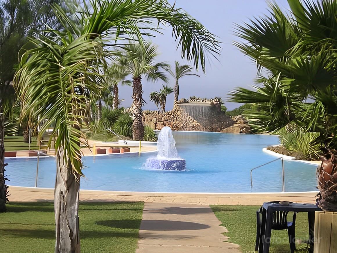 Atico primera linea en la Urbanización Atlanterra Playa, Zahara