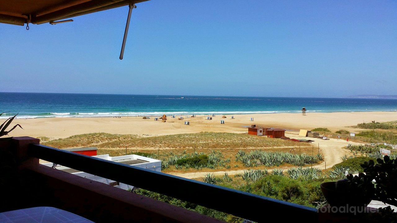 Apartamento con dos dormitorios con vistas al mar en Costa Zahara