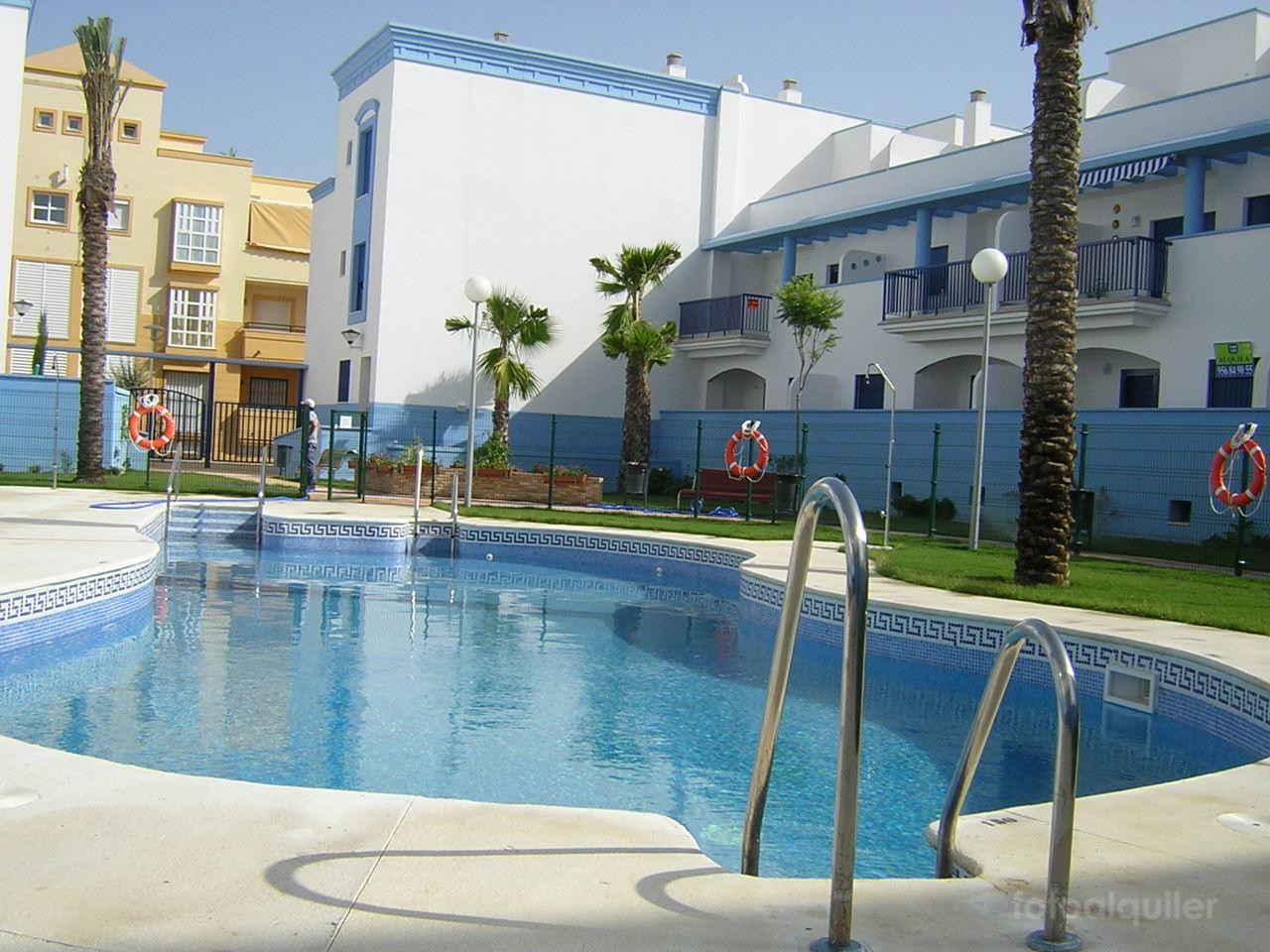 Alquiler de apartamento cerca de la playa en Costa Ballena, Urbanización Vistazul