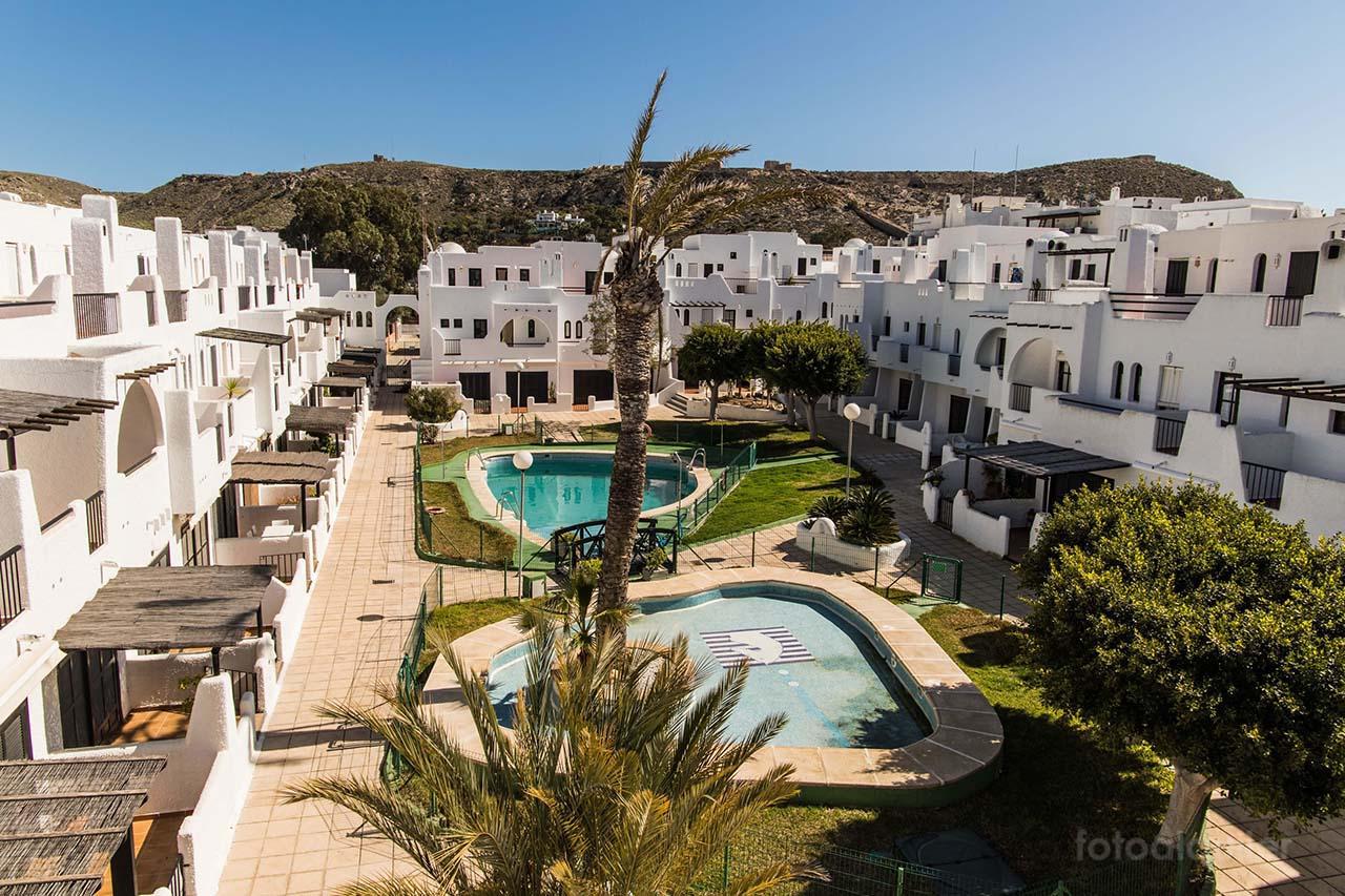 Alquiler chalet para vacaciones a 100 metros de playa de Agua Amarga, Almería