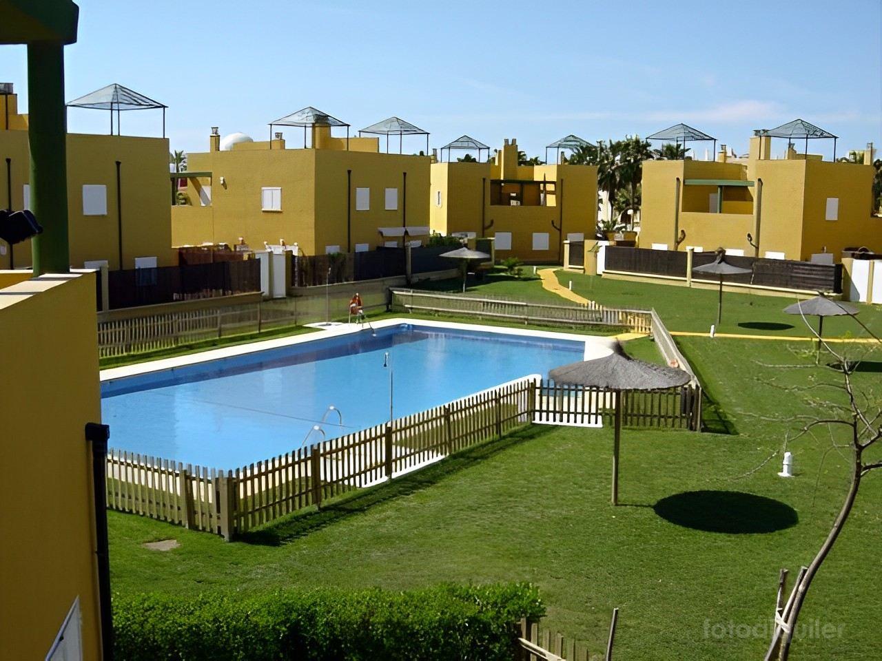 Alquiler de chalet con 4 dormitorios en el residencial Tartessos, Rota, Costa Ballena
