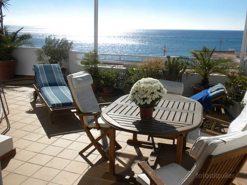 Alquiler casa con jacuzzi en primera linea de playa en Agua Amarga