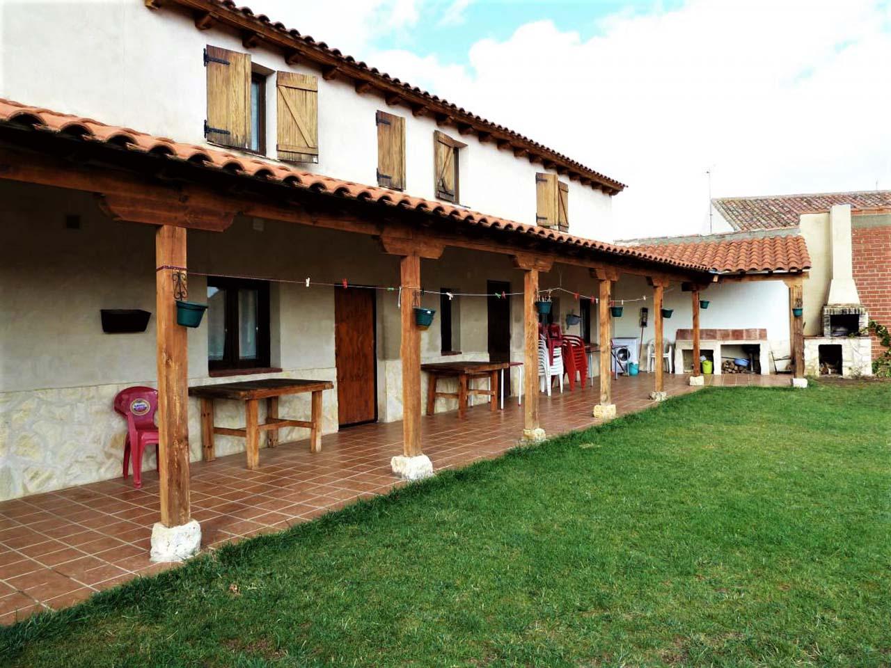Albergue Don Camino, albergue para peregrinos y casa rural en el Camino de Santiago, Villalcazar de Sirga, Palencia