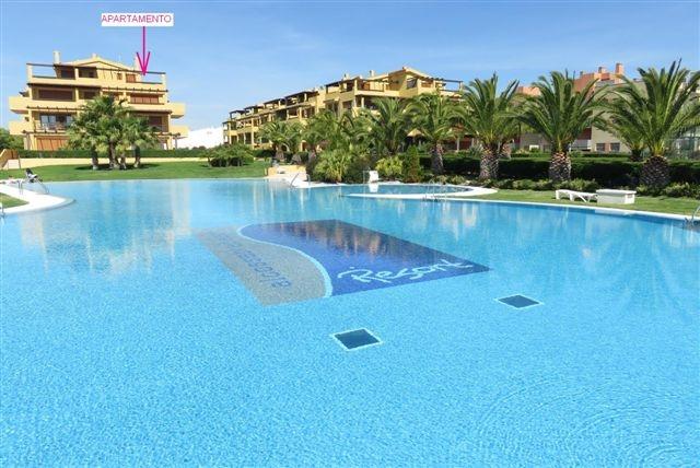 Alquiler en primera línea (frontal al mar), Urbanización Beach Resort, Alcocéber, Castellón, ref.: alcoceber8376