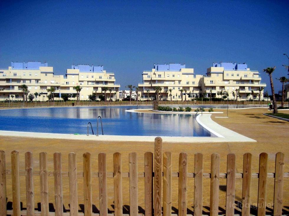 Alquiler apartamento con vistas al mar en Almerimar, Urbanización Puerto Marina Golf, Almería