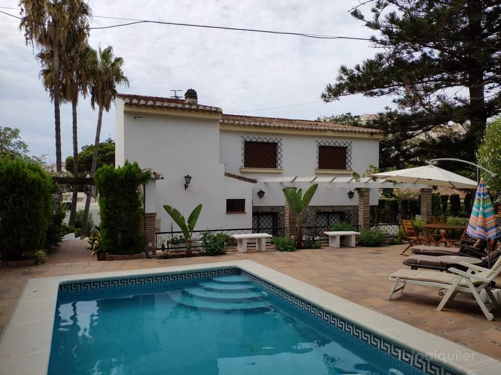 Alquiler de chalet en Almuñecar, piscina privada