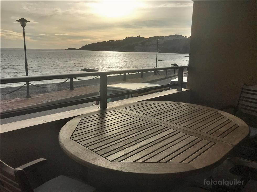Almuñécar, primera línea, apartamento en playa de Cotobro, Granada
