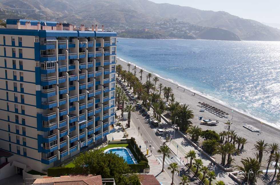 Apartamentos en Almuñécar, primera linea playa en Granada
