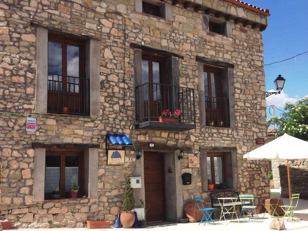 Hotel Rural Ana de las Tejas Azules en Blocona, Medinaceli, Soria.