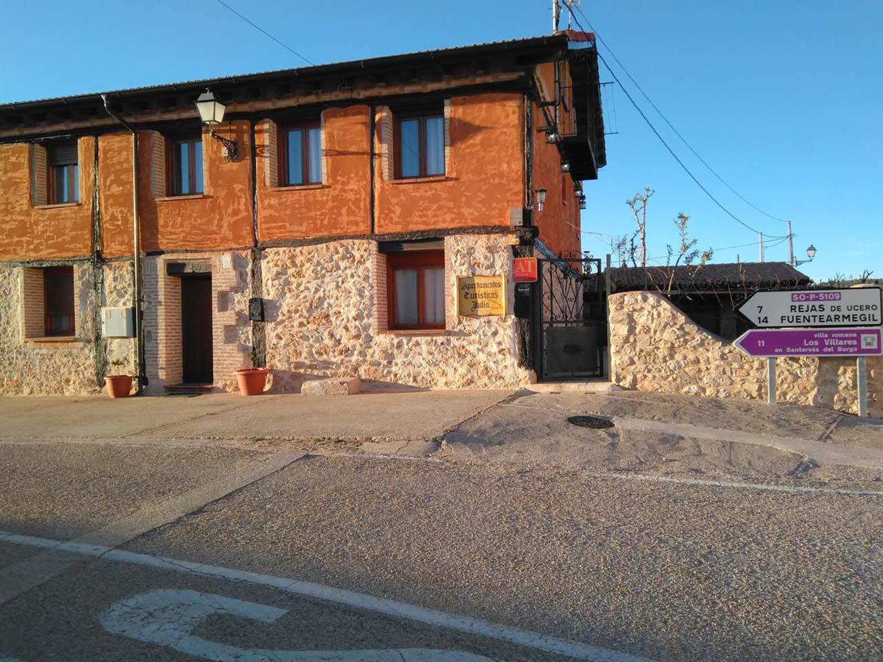 Alquiler de apartamentos en el Cañón del río Lobos. Apartamentos turísticos Julia en Valdemaluque, Soria