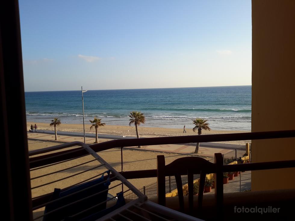 Apartamento en primera línea de playa en Barbate, Cádiz, ref.: barbate-11062