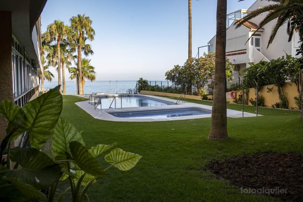 Apartamento en Benalmadena, 1ª línea de playa, Málaga