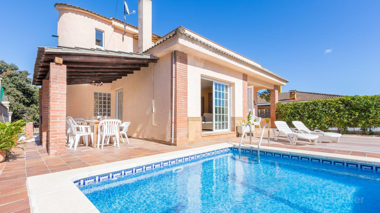 Alquiler de Villa con piscina privada en Blanes, Girona