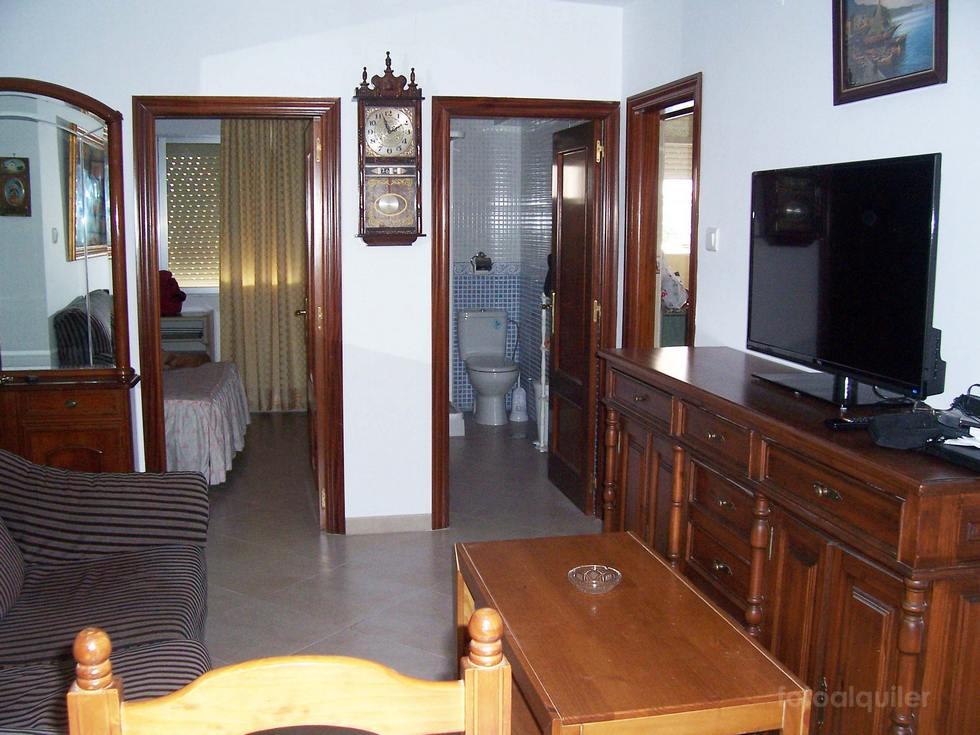 Alquiler de piso con tres dormitorios en Cádiz, Playa de la Victoria