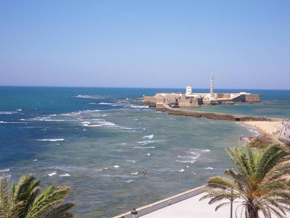 Alquiler de piso con vistas al mar, playa de La Caleta, Cádiz