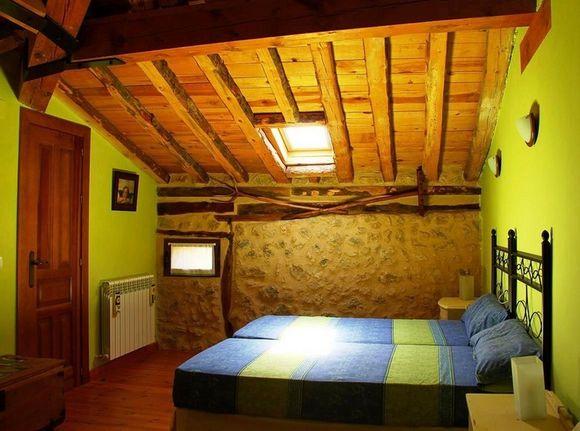 Casa Rural Calle Real, alquiler por habitaciones en Torremocha de Ayllón, Soria.