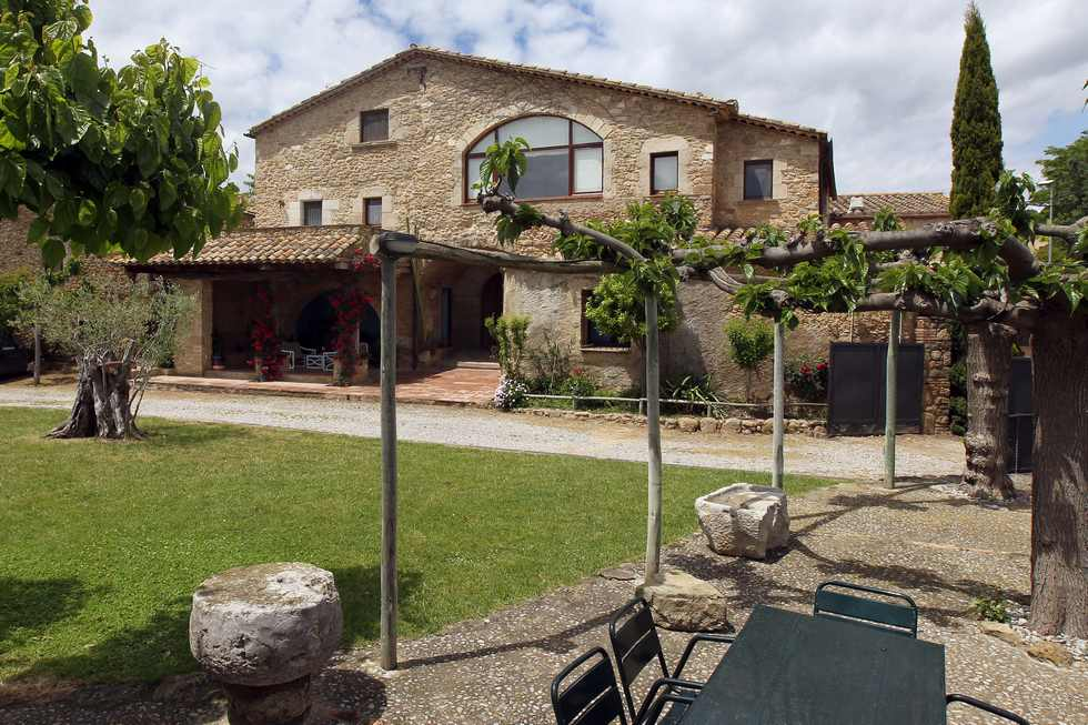 Alquiler de apartamento rural Cal Secretari en Saus Camallera Llampaies, Girona