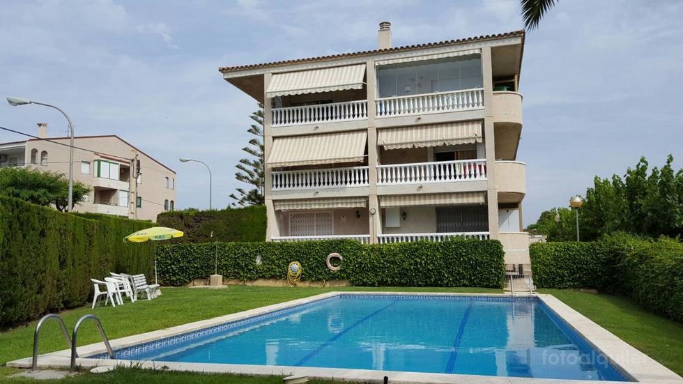 Alquiler de apartamento con jardin en la playa de la Dorada, Cambrils, Tarragona