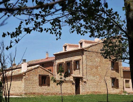 Casa Adolfo, alojamiento rural con merendero para 10 personas en Santa Inés, Burgos