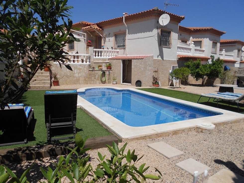 Alquiler de chalet con piscina privada en Miami Playa, Tarragona