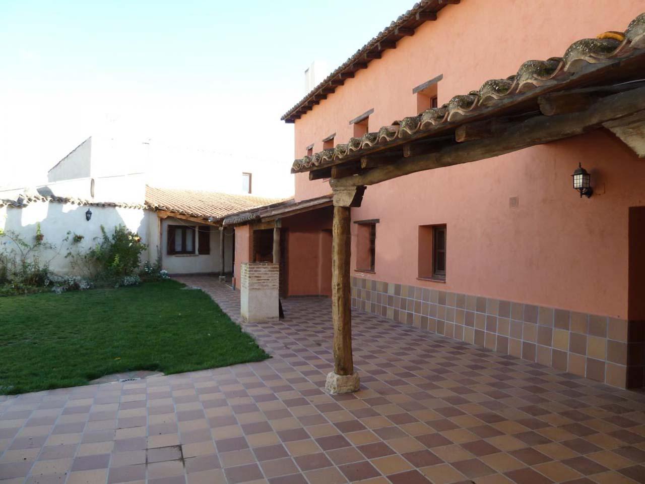 Casa Aúrea, casa rural en el Camino de Santiago, Villalcazar de Sirga, Palencia