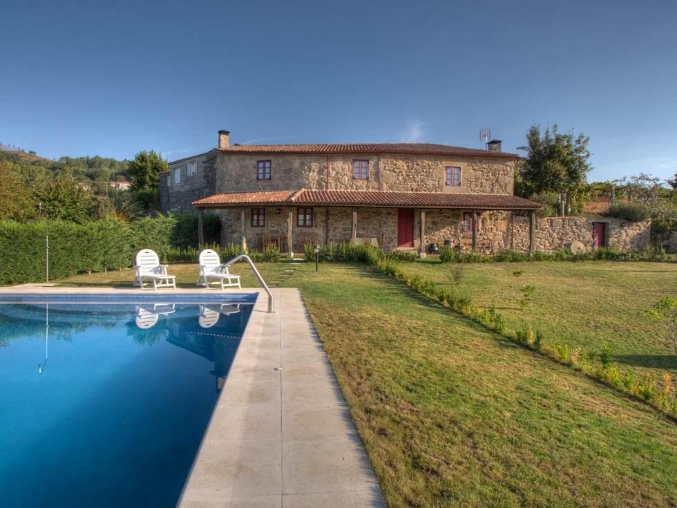 Lobios. Casa Barallo alquiler habitaciones en Lobios, Valoiro, Ourense. Termas romanas.