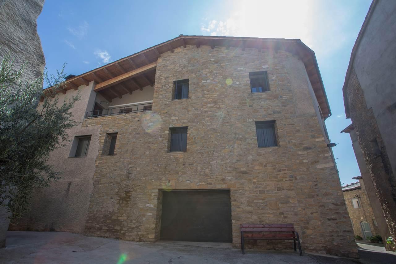 Casa Consales, apartamentos turísticos en Palau de Noguera, Tremp, Lleida