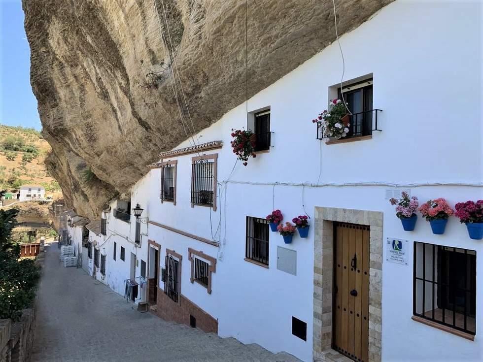 Casa Cueva Las Calcetas, casa cueva en Setenil de las Bodegas, Cádiz