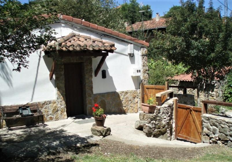 Casa del Río, casa rural con jardín y barbacoa en Reocín de los Molinos, Cantabria