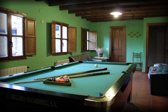 Casa Rural Entrenidos, alojamientos rurales para 18 personas en Mudá, Palencia.