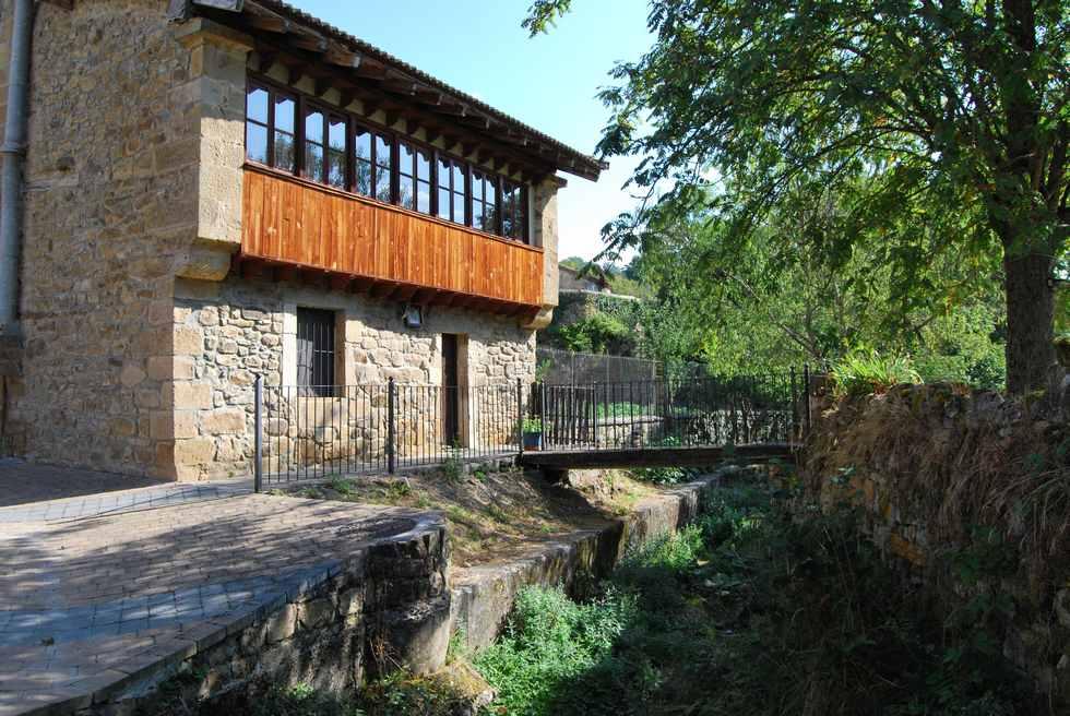 Casa Pin, casa rural para 12 personas en Reocín de los Molinos, Cantabria.