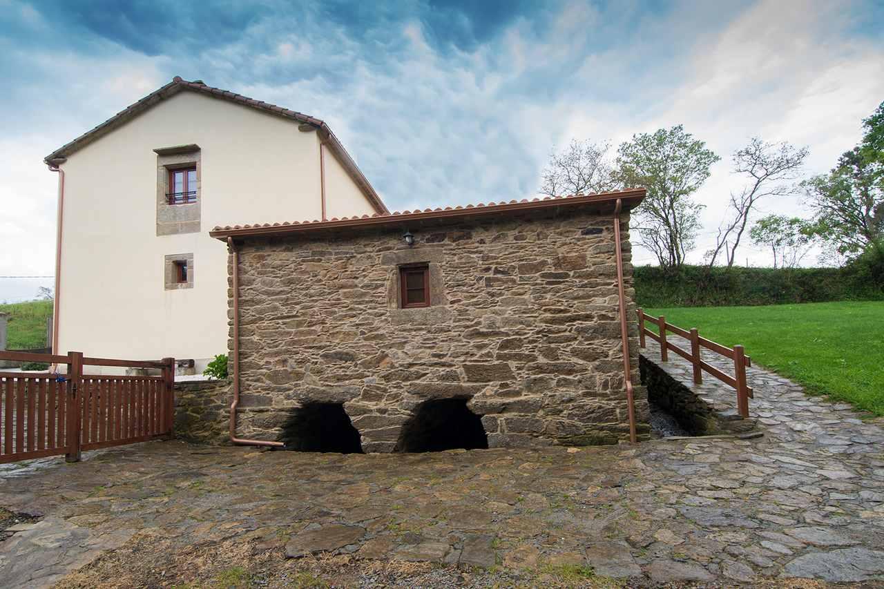 Casa Río Sarela para 10 personas en Santiago de Compostela. Casa accesible y con barbacoa en Santiago, A Coruña.
