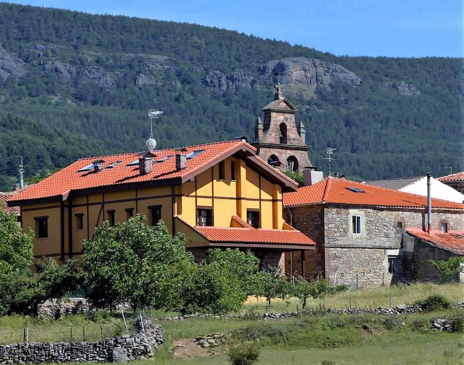 De Cabrera casa rural en la Sierra de la Demanda, Urrez, Burgos