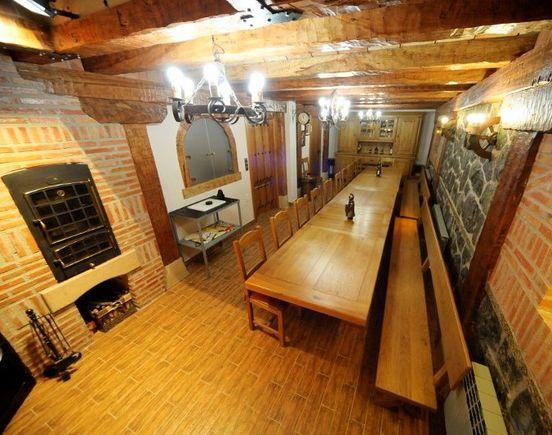 Casa Rural El Arroyal, alojamiento rural con merendero para 10 personas en Palacios de la Sierra, Burgos