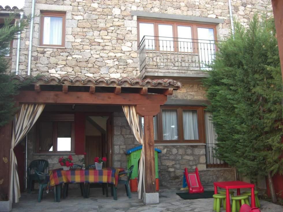Las Casas del Torreón, casas rurales en la Sierra de Gredos, Hoyos del Espino, Avila
