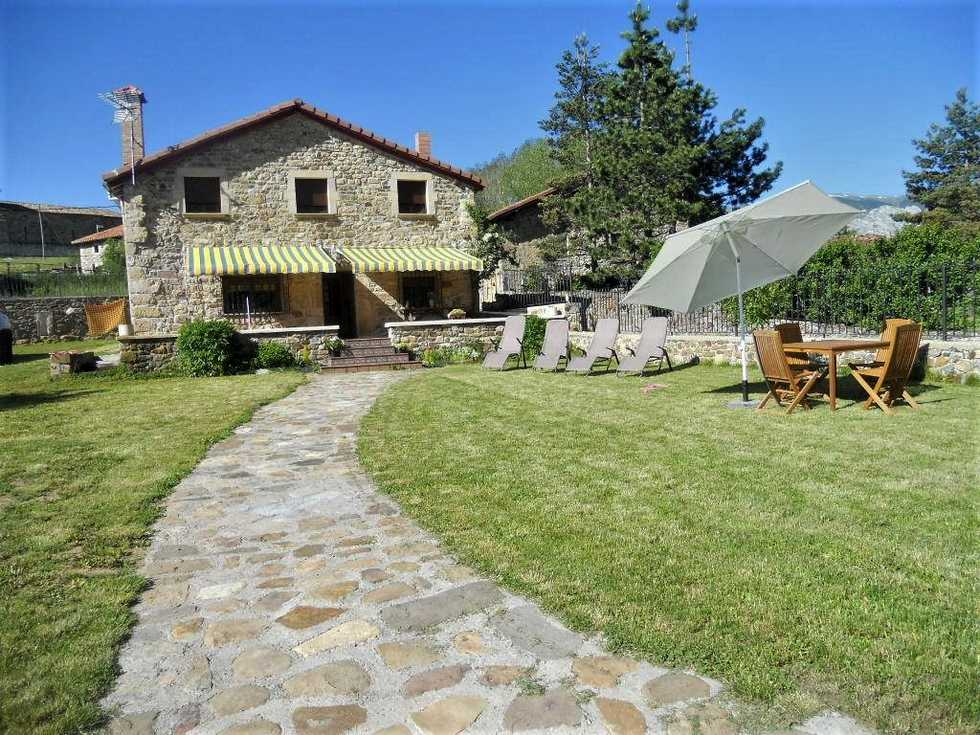 Casa Rural Toribio, alojamiento con jardín y barbacoa en  la montaña Palentina, San Juan de Redondo, Fuente del Cobre, Palencia