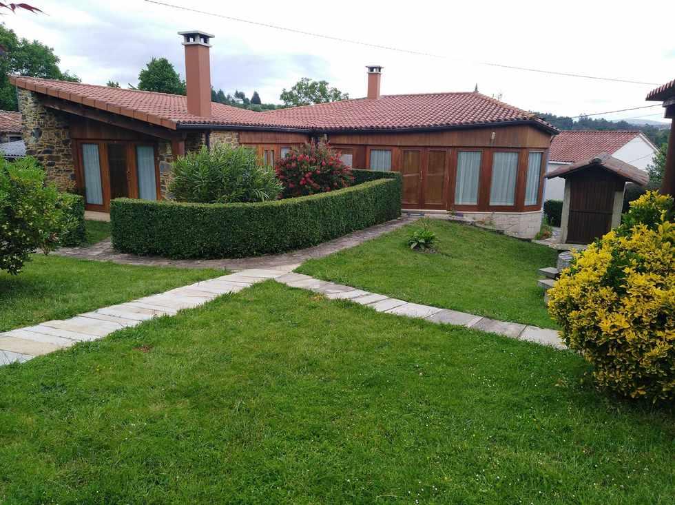 Casa Souto de Abajo, alojamiento rural en Santiso, A Coruña.
