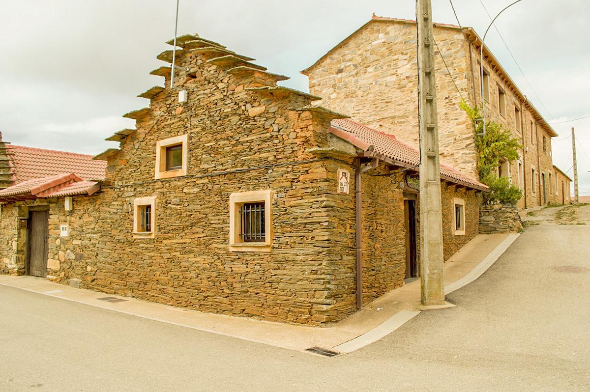 Casa Rural Los Cerezos en La Maragatería, Santa Colomba de Somoza, León