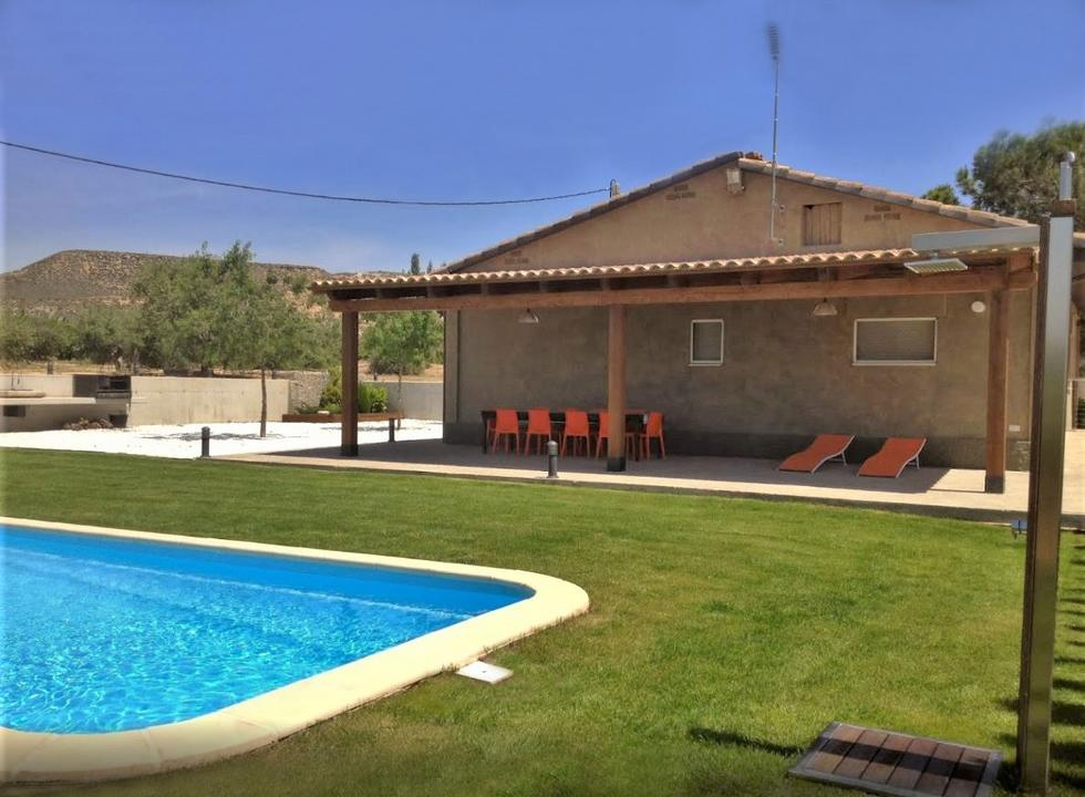 Mas de l´Anneta, casa rural adaptada e ideal para eventos en Fraga, Huesca