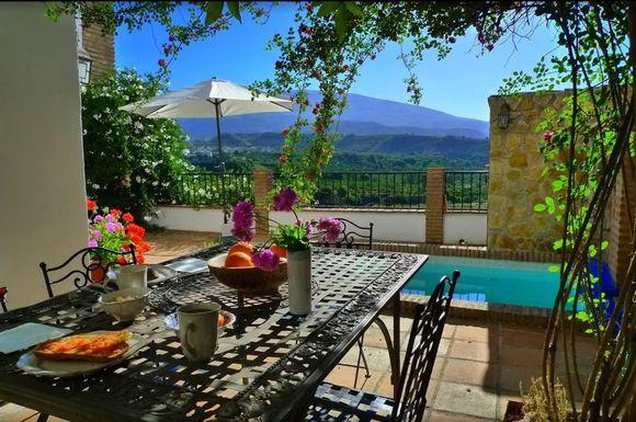 Casa Tagomago, casa rural en Granada, Valle de Lecrín, Restabal, El Valle, Granada.