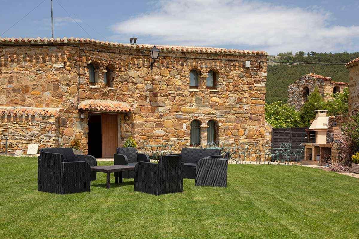 Castellar de Taniñe, casa rural con jardin y barbacoa para 14 personas en Taniñe, San Pedro Manrique, Soria