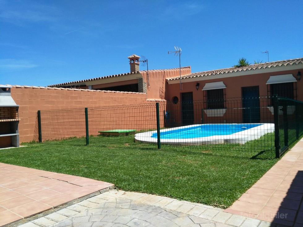 Alquiler de chalet con piscina en Coto la Campa, Chiclana