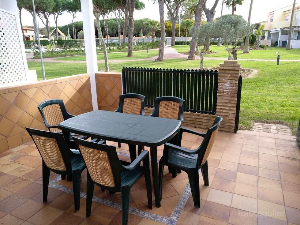 Chalet adosado a 50 m. de la playa urbanización La Balconera, Chiclana, Cádiz.